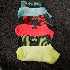 New Under Armour womens 6pk socks, drifit,ankle